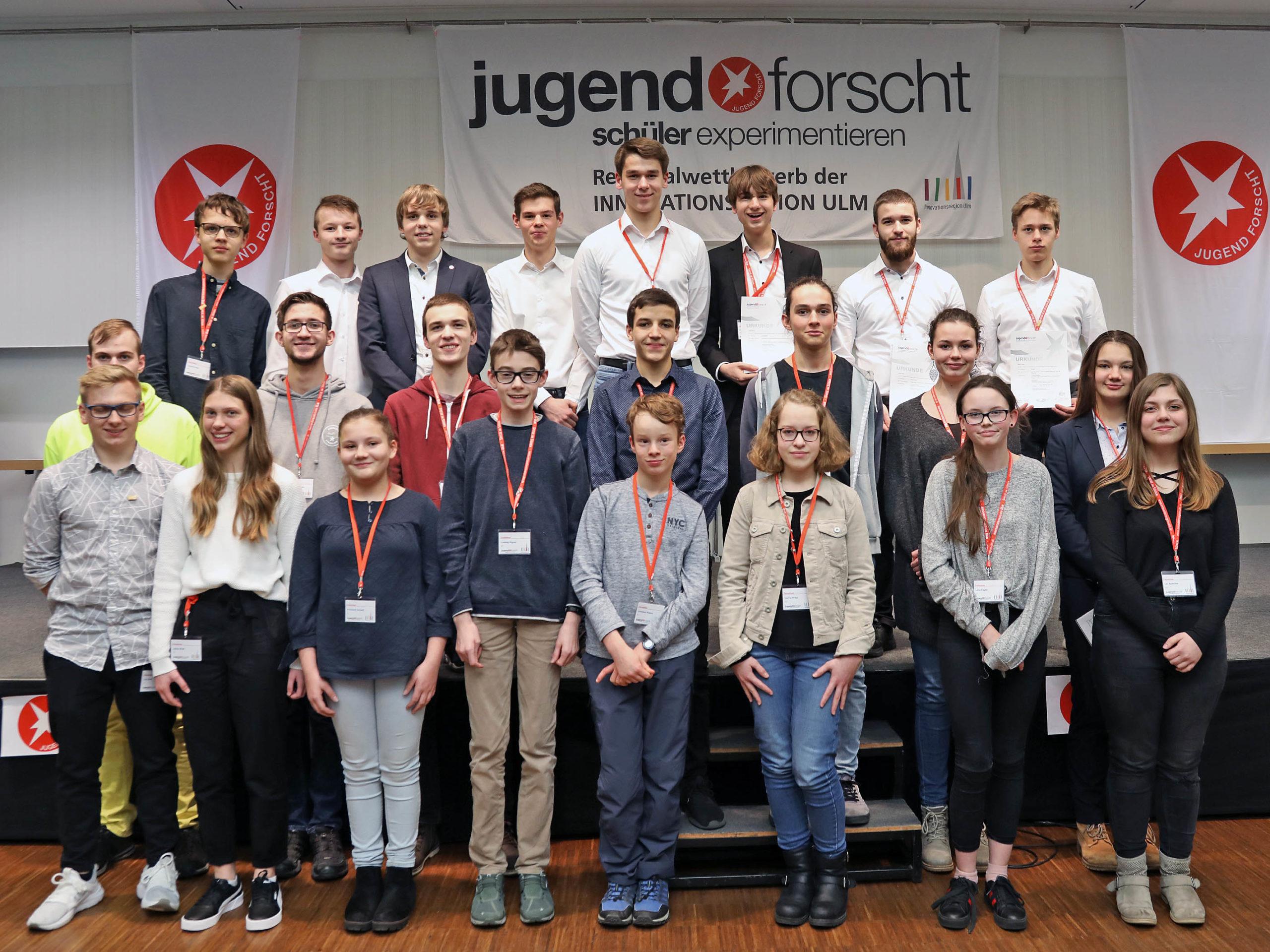 Die Regionalsieger Jugend forscht und Schüler experimentieren des 17. Regionalwettbewerbs der Innovationsregion Ulm.