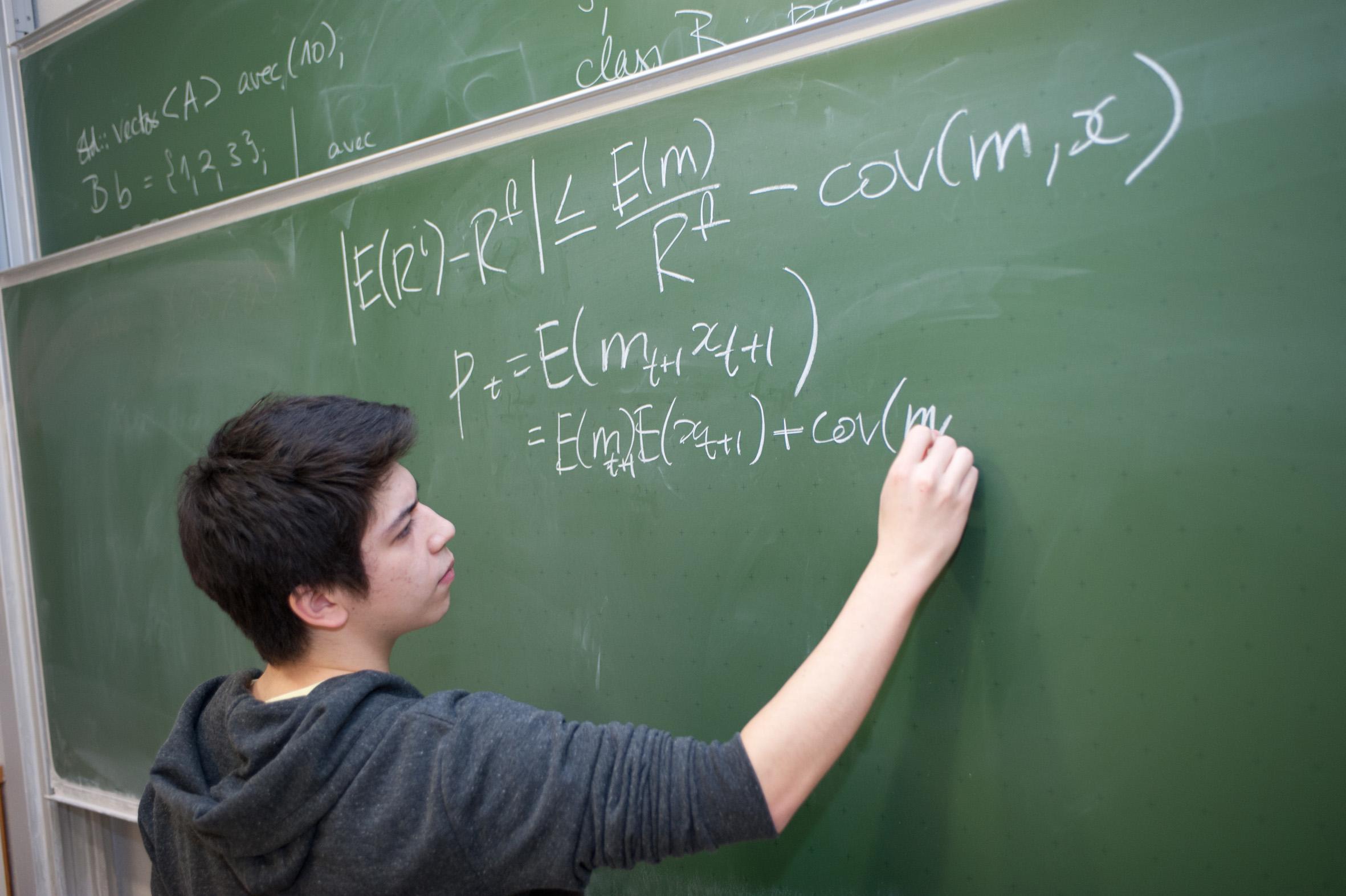 Mathematik-Student an der universität Ulm. Foto: Elvira Eberhardt / Uni Ulm